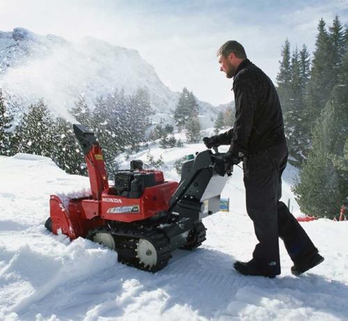 Услуги по уборке снега трактором мтз